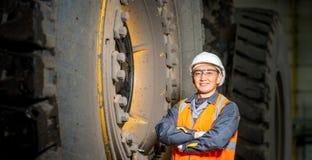 Μηχανικός στο γκαράζ Στοκ εικόνες με δικαίωμα ελεύθερης χρήσης