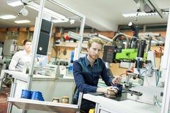 Μηχανικός στο εργοστάσιο Στοκ Φωτογραφία
