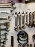 Μηχανικός τοίχος εργαλείων σε ένα εργαστήριο Στοκ Εικόνες