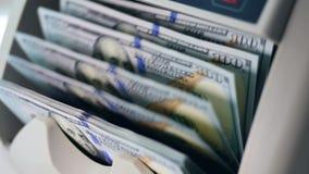 Μηχανικός υπολογισμός των τραπεζογραμματίων δολαρίων απόθεμα βίντεο