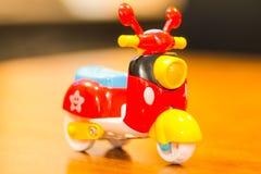 Μηχανικό δίκυκλο παιχνιδιών για το παιχνίδι Στοκ Εικόνα