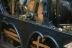 Μηχανισμός του παλαιού πύργου ρολογιών μέσα στοκ φωτογραφίες