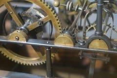 Μηχανισμός του παλαιού πύργου ρολογιών μέσα στοκ εικόνα