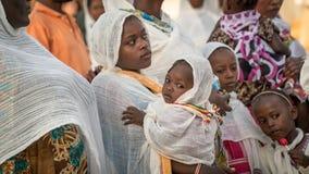 Μη αναγνωρισμένοι αιθιοπικοί άνθρωποι που γιορτάζουν το φεστιβάλ Meskel στην Αιθιοπία Στοκ εικόνες με δικαίωμα ελεύθερης χρήσης