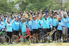 Μη αναγνωρισμένοι αναβάτες στη δράση κατά τη διάρκεια του ποδηλάτου για το γεγονός Mom Στοκ Εικόνα