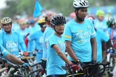 Μη αναγνωρισμένοι αναβάτες στη δράση κατά τη διάρκεια του ποδηλάτου για το γεγονός Mom Στοκ Φωτογραφία
