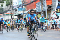 Μη αναγνωρισμένοι αναβάτες στη δράση κατά τη διάρκεια του ποδηλάτου για το γεγονός Mom Στοκ εικόνες με δικαίωμα ελεύθερης χρήσης