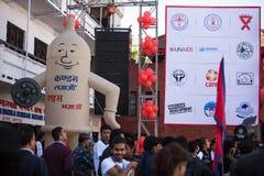 Μη αναγνωρισμένοι συμμετέχοντες στη Παγκόσμια Ημέρα κατά του AIDS στην πλατεία Durbar Στοκ Εικόνα