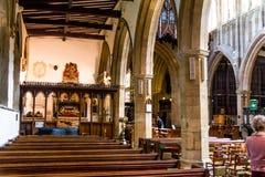 Μη αναγνωρισμένοι τουρίστες και ντόπιοι στην εκκλησία της ιερής τριάδας σε stratford-επάνω-Avon στοκ φωτογραφία με δικαίωμα ελεύθερης χρήσης