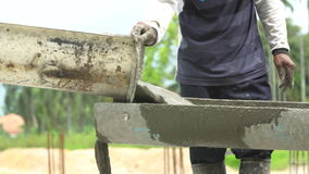 Μη προσδιορίστε τους εργάτες οικοδομών χύνει το συγκεκριμένο μίγμα φιλμ μικρού μήκους