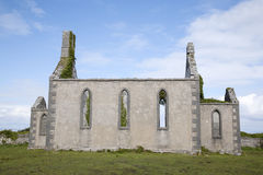Μη χρησιμοποιούμενη εκκλησία, χωριό Kilronan, Inishmore Στοκ Εικόνες