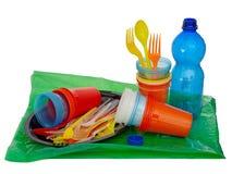 Μιάς χρήσεως, μίας χρήσης πλαστικός συμπεριλαμβανομένων των μαχαιροπήρουνων, evironmental πρόβλημα, οδηγία της ΕΕ Απομονωμένος στ Στοκ Φωτογραφίες