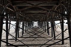 Μια άποψη από κάτω από την αποβάθρα Στοκ Εικόνες