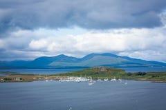 Μια άποψη από Oban, μια παραθεριστική πόλη μέσα στο Argyll και την περιοχή των συμβουλίων Bute της Σκωτίας Στοκ Εικόνα