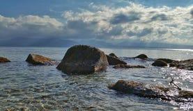 Μια άποψη θάλασσας στη θερμή ημέρα φθινοπώρου Στοκ Εικόνες