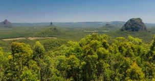 Μια άποψη πέρα από το εθνικό πάρκο βουνών σπιτιών γυαλιού, Αυστραλία απόθεμα βίντεο