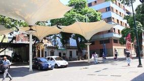 Μια άποψη της λεωφόρου Sabana Grande στο Καράκας με το πεζοδρόμιο λεωφόρων Sabana Grande κάλυψε το τετράγωνο φιλμ μικρού μήκους