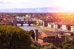 Μια άποψη της Φλωρεντίας και του ποταμού Arno στοκ εικόνες
