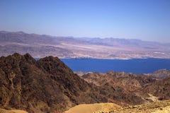 Μια άποψη του Άκαμπα από τα βουνά Eilat στοκ φωτογραφίες με δικαίωμα ελεύθερης χρήσης