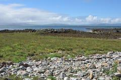 Μια άποψη Galway του κόλπου από το νησί πρόβειων κρεάτων Στοκ Εικόνα