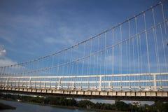 Μια άσπρη λεπτομέρεια γεφυρών αναστολής σε Udonthani Στοκ Εικόνα