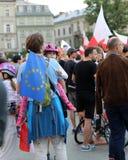 Μια άλλη ημέρα σε χιλιάδες της Κρακοβίας άνθρωποι διαμαρτύρεται ενάντια στην παραβίαση το συνταγματικό νόμο στην Πολωνία Στοκ Φωτογραφίες
