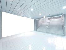 Μια αίθουσα με έναν άσπρο τοίχο έτοιμο για τη διαφήμιση Στοκ φωτογραφία με δικαίωμα ελεύθερης χρήσης
