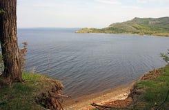 Μια αμμώδης ακτή του ποταμού Ρωσία του Βόλγα στοκ εικόνες