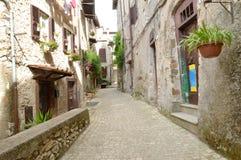 Μια αναλαμπή των αλεών του χωριού Artena Λάτσιο - της Ιταλίας Στοκ φωτογραφία με δικαίωμα ελεύθερης χρήσης