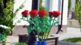 Μια ανθοδέσμη των τριαντάφυλλων φιαγμένων από χάντρα με το χέρι Στοκ Φωτογραφία