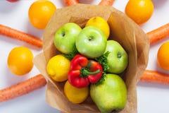 Μια ανθοδέσμη των φρούτων και λαχανικών Στοκ φωτογραφία με δικαίωμα ελεύθερης χρήσης