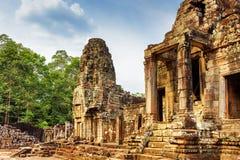 Μια από τις εισόδους στον αρχαίο ναό Bayon, Angkor Thom, Καμπότζη Στοκ εικόνα με δικαίωμα ελεύθερης χρήσης