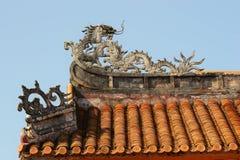 Μια αρχαία στέγη με τις διακοσμήσεις Στοκ Εικόνα