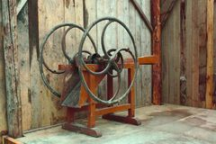 Μια αρχαία, τεμαχίζοντας μηχανή χεριών για το άχυρο Στοκ φωτογραφία με δικαίωμα ελεύθερης χρήσης