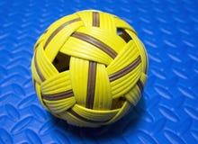 Μια ασιατική σφαίρα αθλητικού Takraw Στοκ εικόνα με δικαίωμα ελεύθερης χρήσης