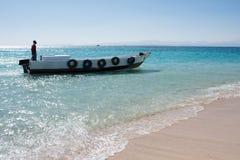 Μια βάρκα στη Ερυθρά Θάλασσα στην Αίγυπτο Στοκ Εικόνες