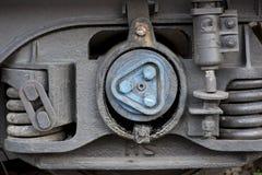 Μια βαλβίδα και ένα καρύδι μετάλλων στο σωλήνα Στοκ Εικόνα