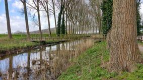 Μια γέφυρα από τον ποταμό στοκ φωτογραφίες με δικαίωμα ελεύθερης χρήσης