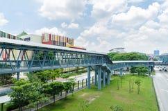 Μια γέφυρα συνδέσεων συνδέει τη λεωφόρο ελεύθερου χρόνου Cheras άμεσα με  στοκ εικόνα