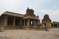 Μια γενική άποψη του ναού Krishna σύνθετου, Hampi, Karnataka Ιερό κέντρο Άποψη από το νοτιοανατολικό σημείο στοκ εικόνα με δικαίωμα ελεύθερης χρήσης