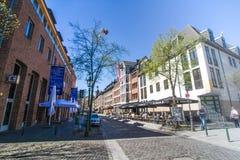 Μια για τους πεζούς οδός στη καρδιά της πόλης του Ντίσελντορφ Στοκ Εικόνες