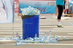 Μια δέσμη των κενών πλαστικών μπουκαλιών Στοκ Εικόνες