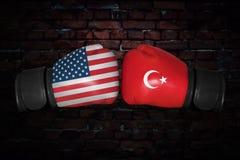 Μια εγκιβωτίζοντας αντιστοιχία μεταξύ των ΗΠΑ και της Τουρκίας Στοκ εικόνες με δικαίωμα ελεύθερης χρήσης