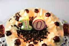 Μια εικόνα έννοιας ενός κέικ γενεθλίων με το κερί - 10 Στοκ Φωτογραφίες