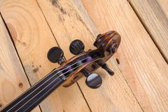 Μια εικόνα βιολιών στο άσπρο υπόβαθρο Στοκ Φωτογραφία