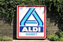 Μια εικόνα ενός λογότυπου υπεραγορών ALDI - Minden/Γερμανία - 07/18/2017 Στοκ Φωτογραφία