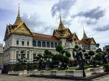 Μια ενδιαφέρουσα άποψη κινηματογραφήσεων σε πρώτο πλάνο του μεγάλου παλατιού στη Μπανγκόκ, Ταϊλάνδη Το παλάτι είναι η επίσημη κατ στοκ φωτογραφίες με δικαίωμα ελεύθερης χρήσης