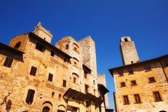 Μια ευρεία γωνία που πυροβολείται Cisterna της Della πλατειών στο SAN Gimignano, μια περιοχή παγκόσμιων κληρονομιών στην Τοσκάνη Στοκ εικόνα με δικαίωμα ελεύθερης χρήσης