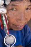 Μια ηλικιωμένη γυναίκα από την εθνική ομάδα Akha Στοκ εικόνα με δικαίωμα ελεύθερης χρήσης