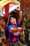 Μια ινδονησιακή γυναίκα που πωλεί τις βουδιστικές ευχετήριες κάρτες, Τζακάρτα Στοκ εικόνες με δικαίωμα ελεύθερης χρήσης